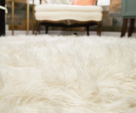 a faux fur rug you can make yourself wise diy wise diy. Black Bedroom Furniture Sets. Home Design Ideas