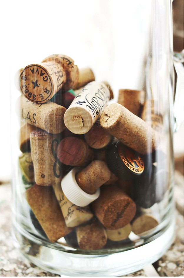 15 things crafty people should never throw away page 2 for Things to do with wine corks