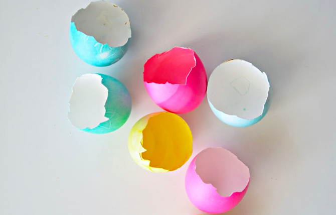 How to Create Candles from Eggshells photo