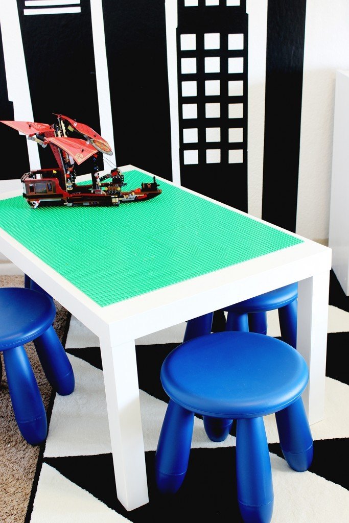 DIY-Lego-Table-Click-for-tutorial