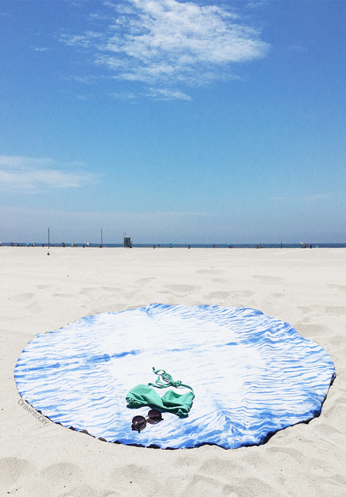 DIY+Round+Shibori+Beach+Blanket+by+Drawn+to+DIY+(07)