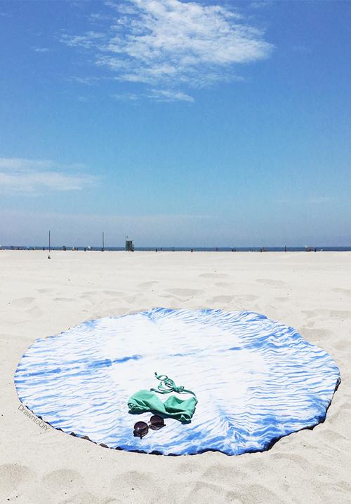 DIY+Round+Shibori+Beach+Blanket+by+Drawn+to+DIY+(07)