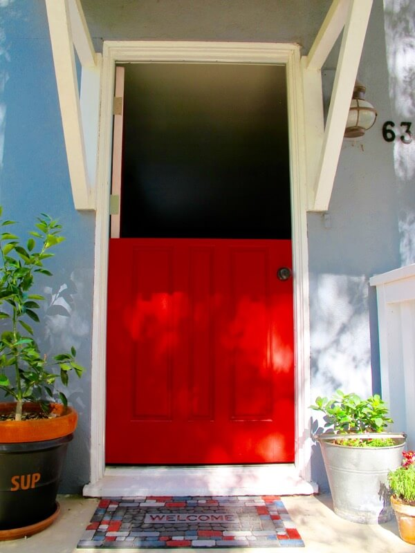 Dutch-door-opens-to-the-world