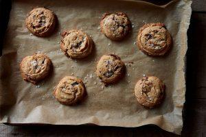 1c511e5a-9998-4c75-8bc8-26d4880300ef-2016-1019_genius-salted-tahini-chocolate-chip-cookies_mark-weinberg_452