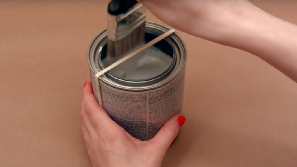She Wraps The Door Handle Around A Paint Can To Instantly